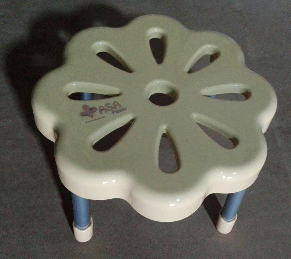 چهار پایه فلزی گل آسا  - اجناس لوکس